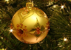 Christmas_tree_bauble_mini