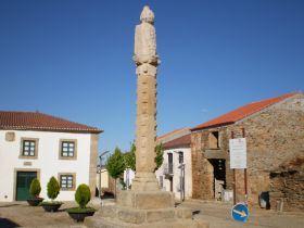 http://5l-henrique.blogspot.pt/2011/06/aldeia-de-carcao.html