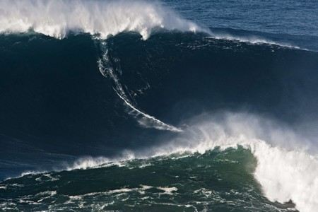 http://www.theinertia.com/surf/whos-counting-gmacs-controversial-90-foot-wave/