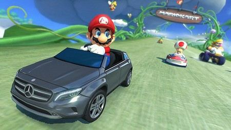 mário a guiar o seu carro azul no jogo Mário Kart